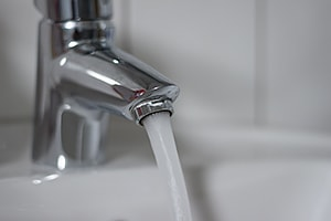 Durchflussbegrenzer verringern die Wassermenge